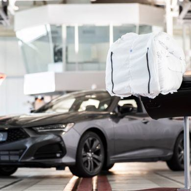"With a ""Catcher's Mitt"" Airbag, Acura Reminds Us Why Passive Safety is Important Too 16"