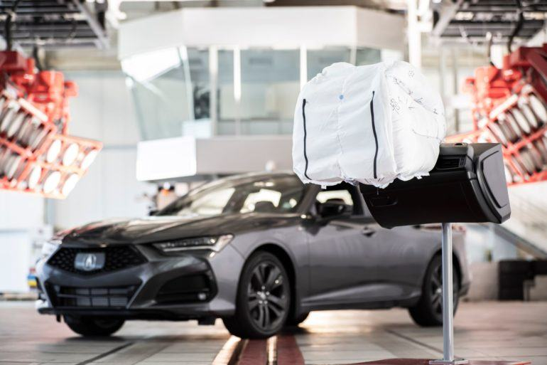"With a ""Catcher's Mitt"" Airbag, Acura Reminds Us Why Passive Safety is Important Too 15"