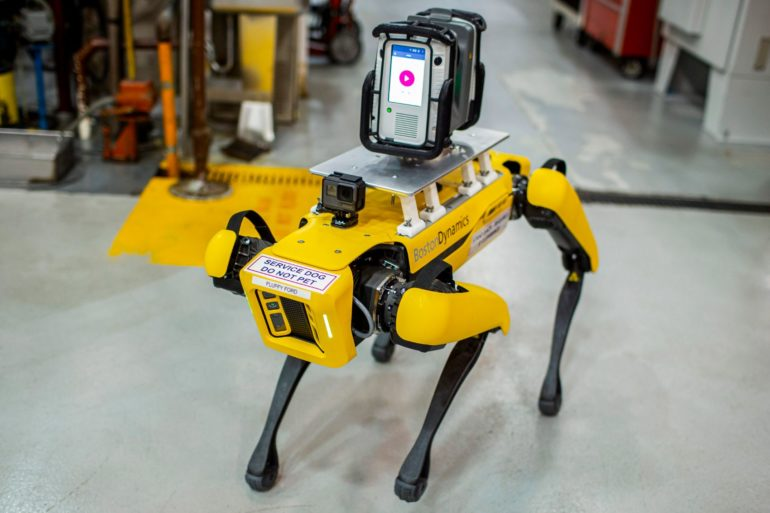 Meet Fluffy, Ford's New Robotic Pup That Scans Factories for Retooling 15