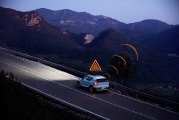2021 Volvo Models to Alert Drivers & Municipalities via New Data Sharing & Vehicle-to-Vehicle Communication Strategy 15