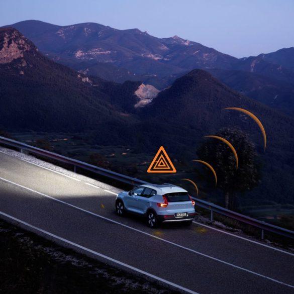 2021 Volvo Models to Alert Drivers & Municipalities via New Data Sharing & Vehicle-to-Vehicle Communication Strategy 27