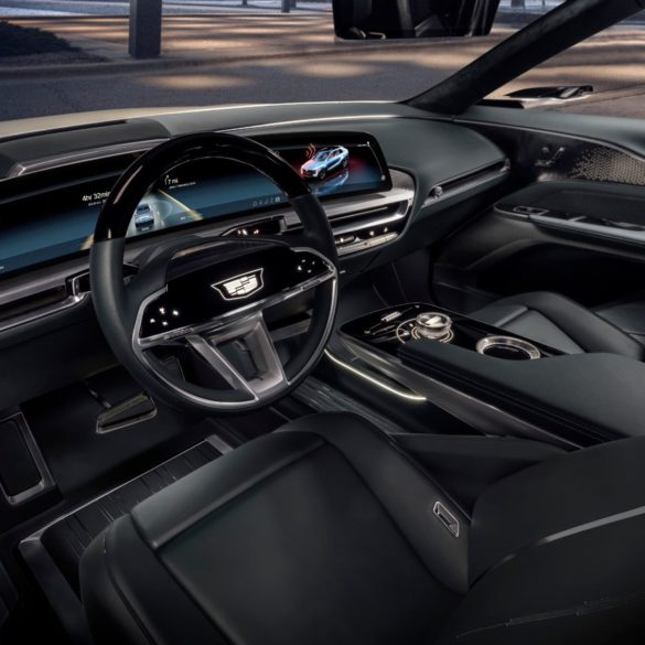 Cadillac Debuts New 33-Inch User Interface for Next-Generation Driver Experiences 21