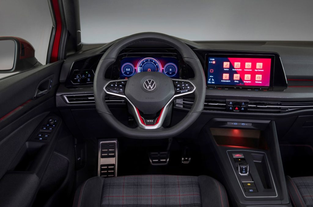 Merging Performance & Connectivity: Inside The New Digital Cockpit of The Volkswagen Golf GTI & Golf R 25